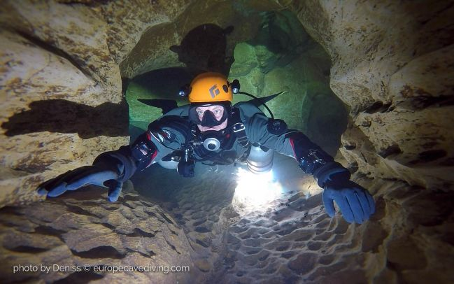 Caves of Lot cave diving in May France